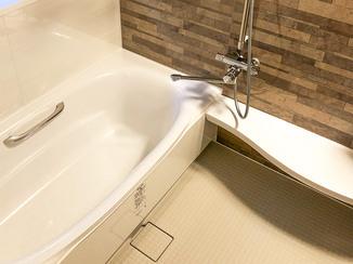 バスルームリフォーム 掃除がラクで温かく快適なシステムバスルーム
